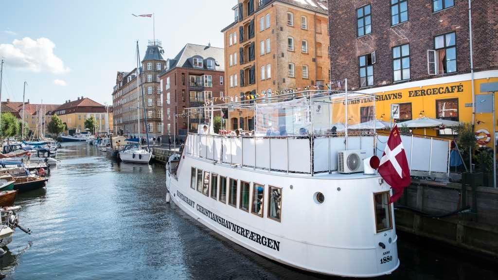 Christianshavns Færgecafé serverer dansk mad i København
