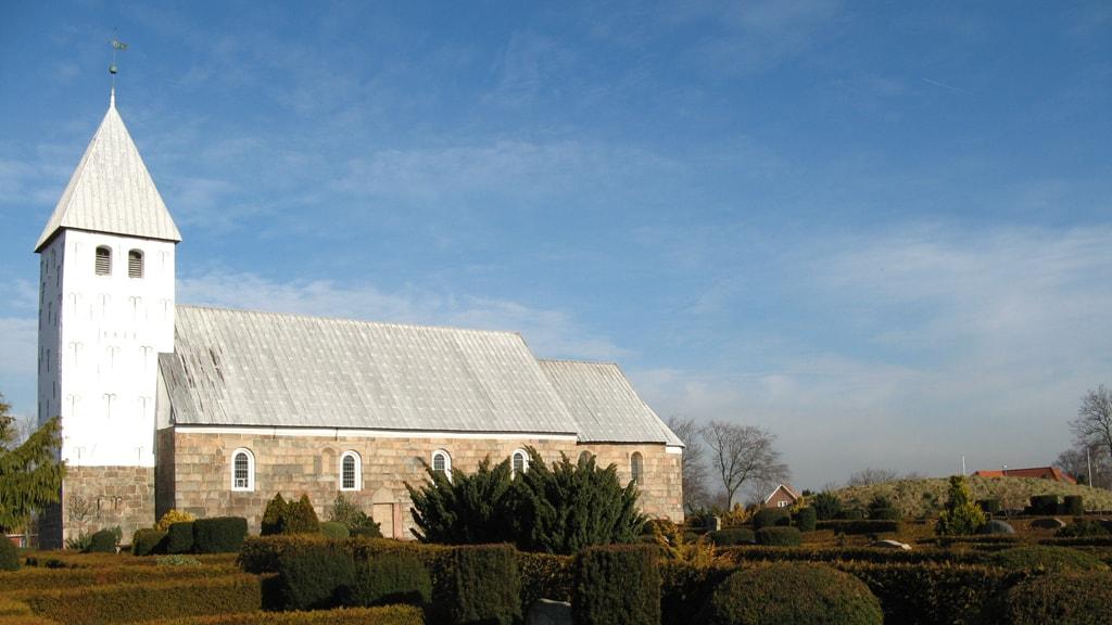 En smuk middelalder kirke   Bryndum Kirke