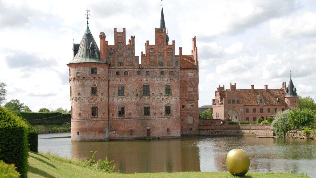 12 самых красивых замков Дании
