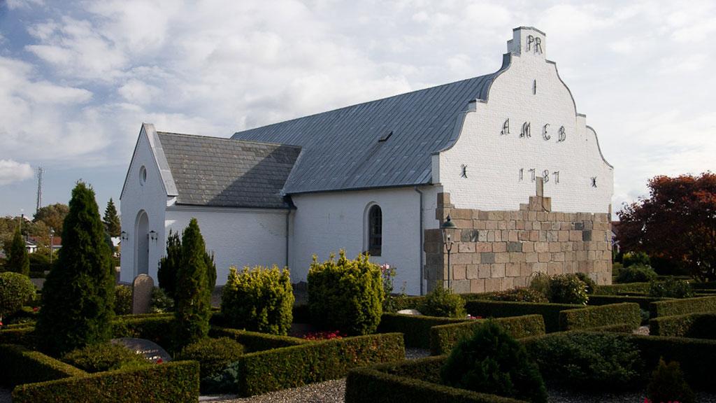 Tversted Kirke