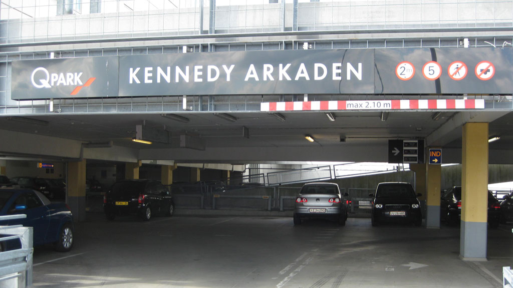 hvad er bdsm kennedy arkaden parkering