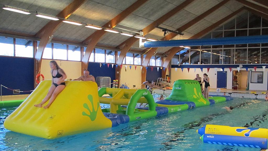 Berömda Public swimming pool on Møn   Sydkystdanmark OJ-43