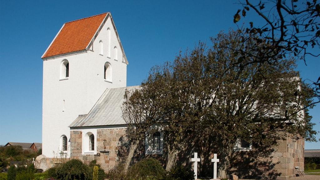 Helligsø Kirke - Udefra