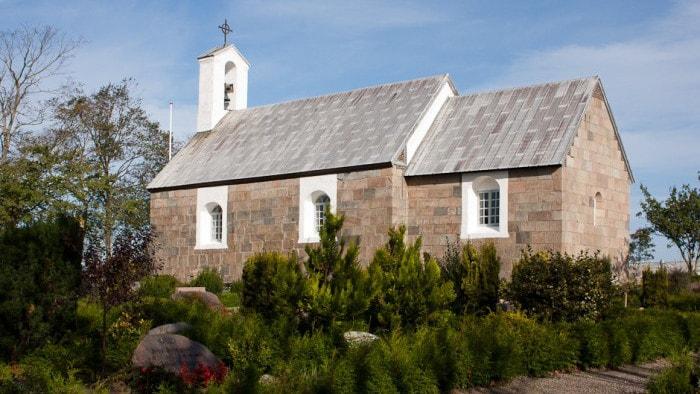 Hassing Kirke - Udefra