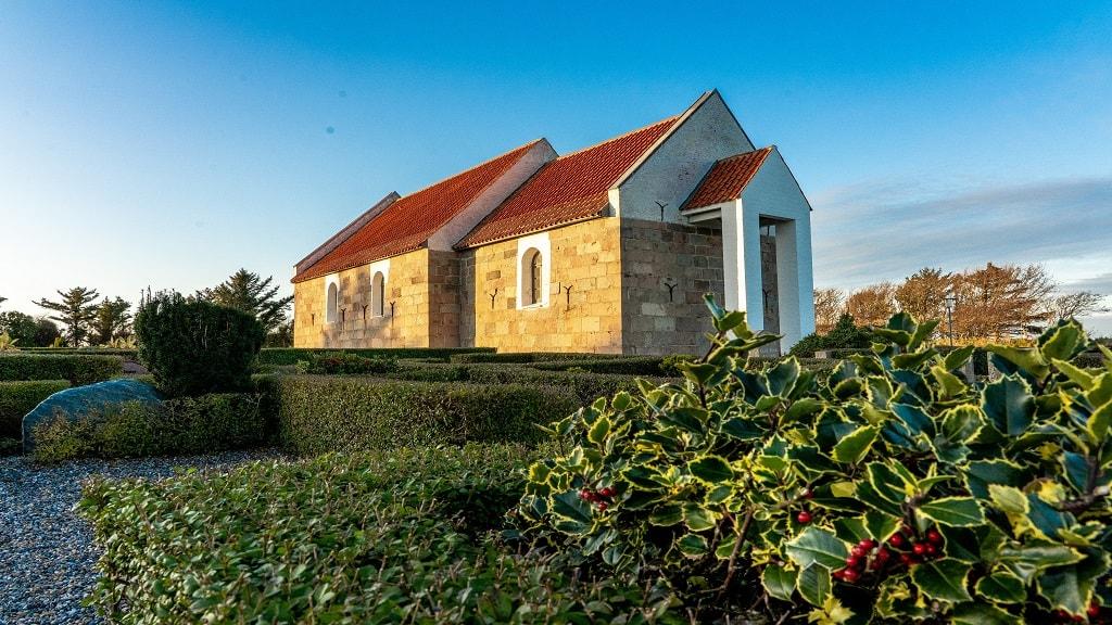 Hansted Kirke - Udefra