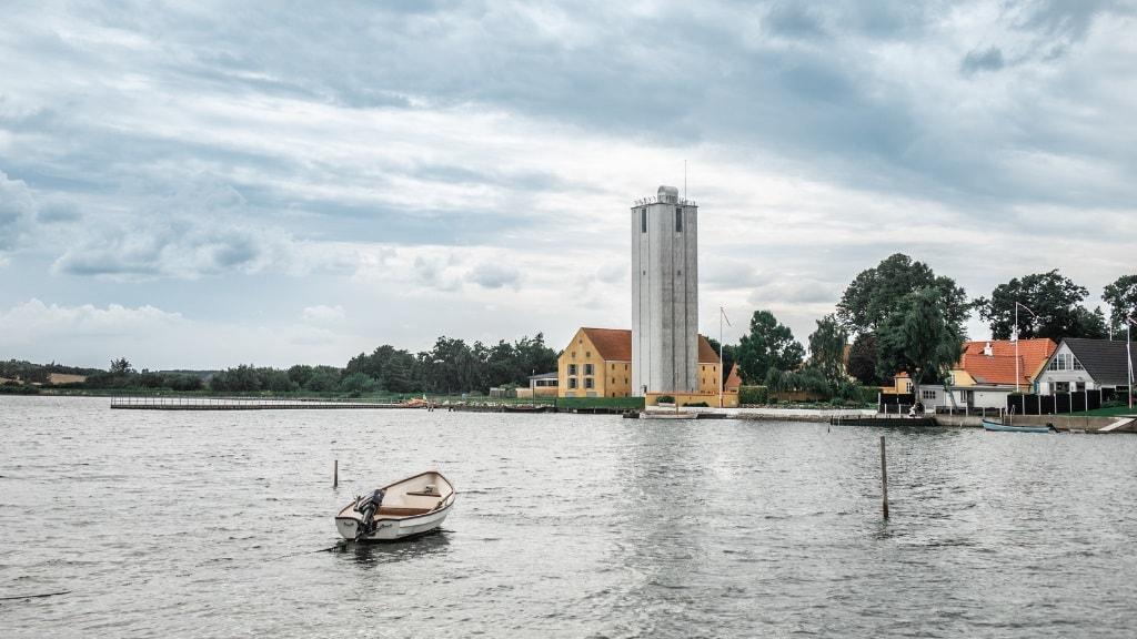 Doverodde - jolle og silo
