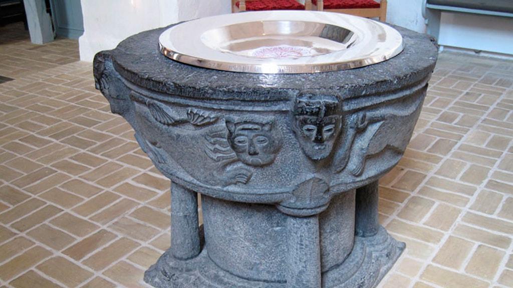 Døbefonten i Ballum Kirke