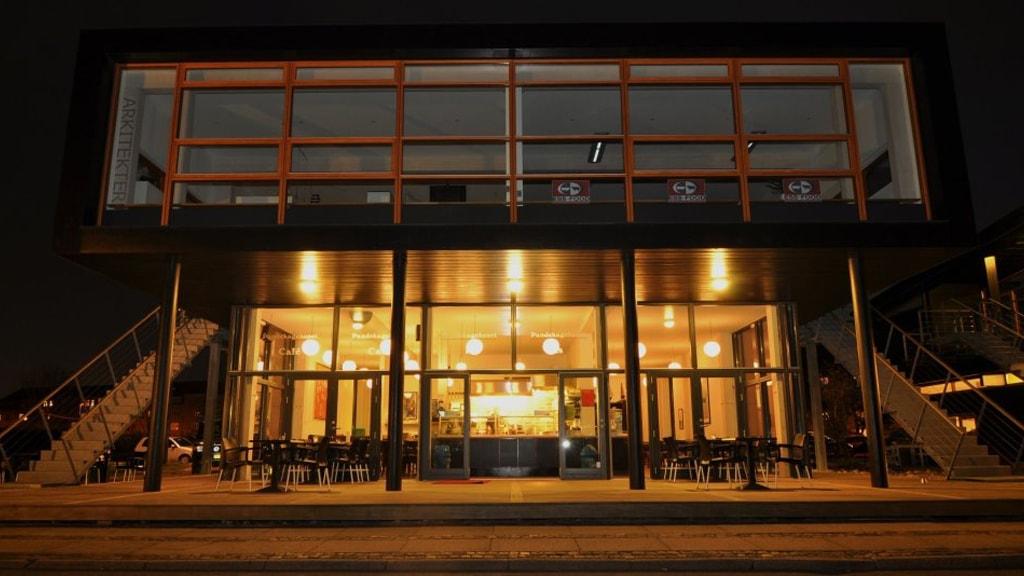 pandekagehuset-aalborg-cafe-aften-bygning
