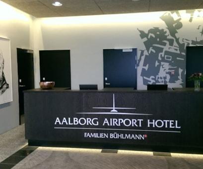 Aalborg Airport Hotel desk