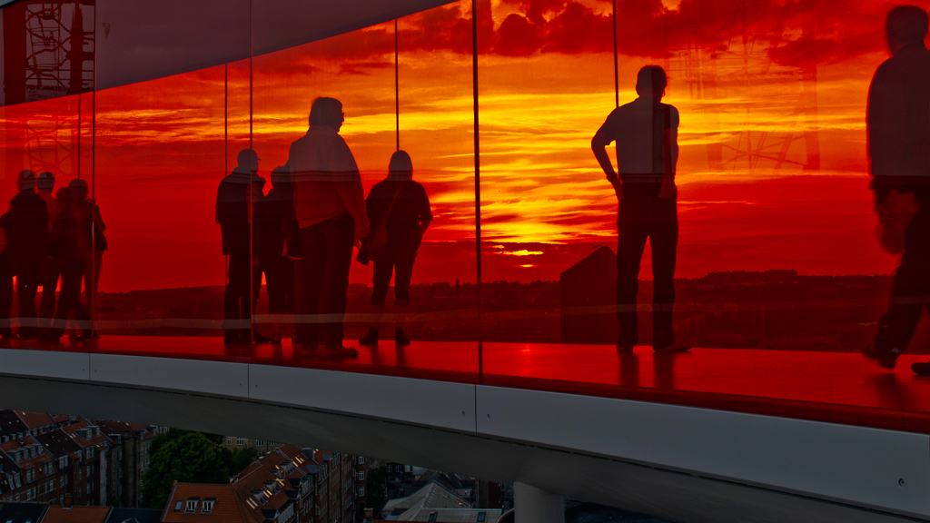 © Your rainbow panorama, Olafur Eliasson, 2006 - 2011, ARoS Aarhus Art Museum. Fotograf: Ole Hein Pedersen