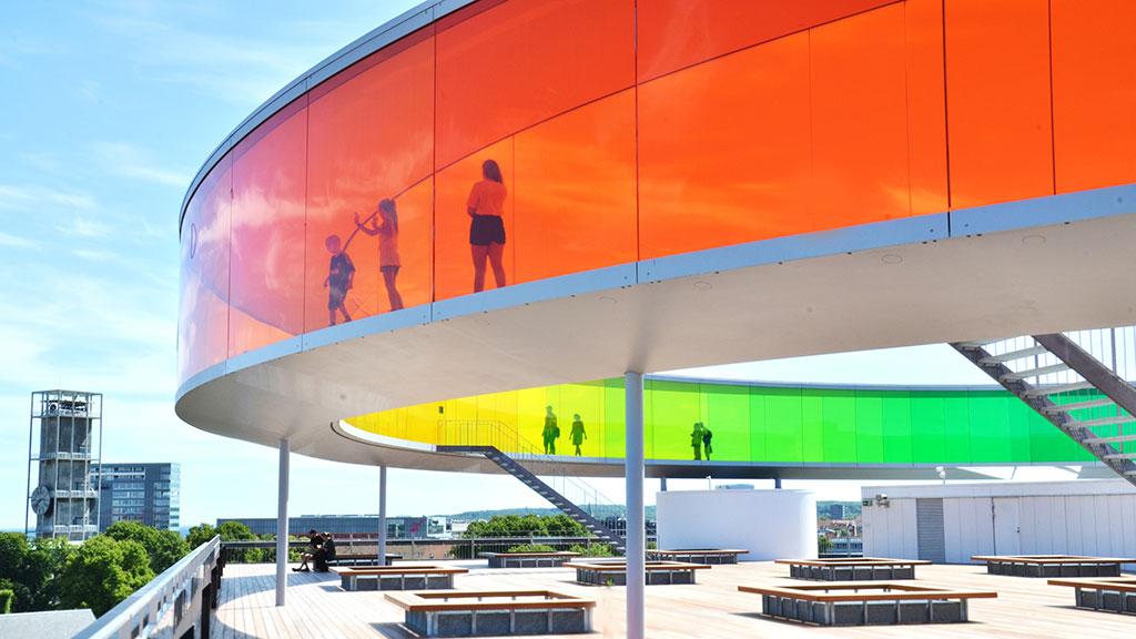 © Your rainbow panorama, Olafur Eliasson, 2006 - 2011, ARoS Aarhus Art Museum. Fotograf: ARoS Aarhus Kunstmseum