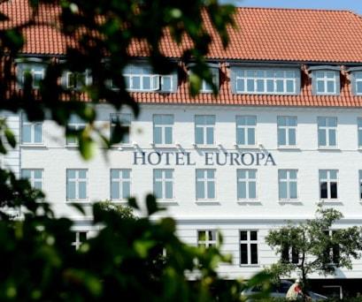 Hotel_Europa_Front.jpg